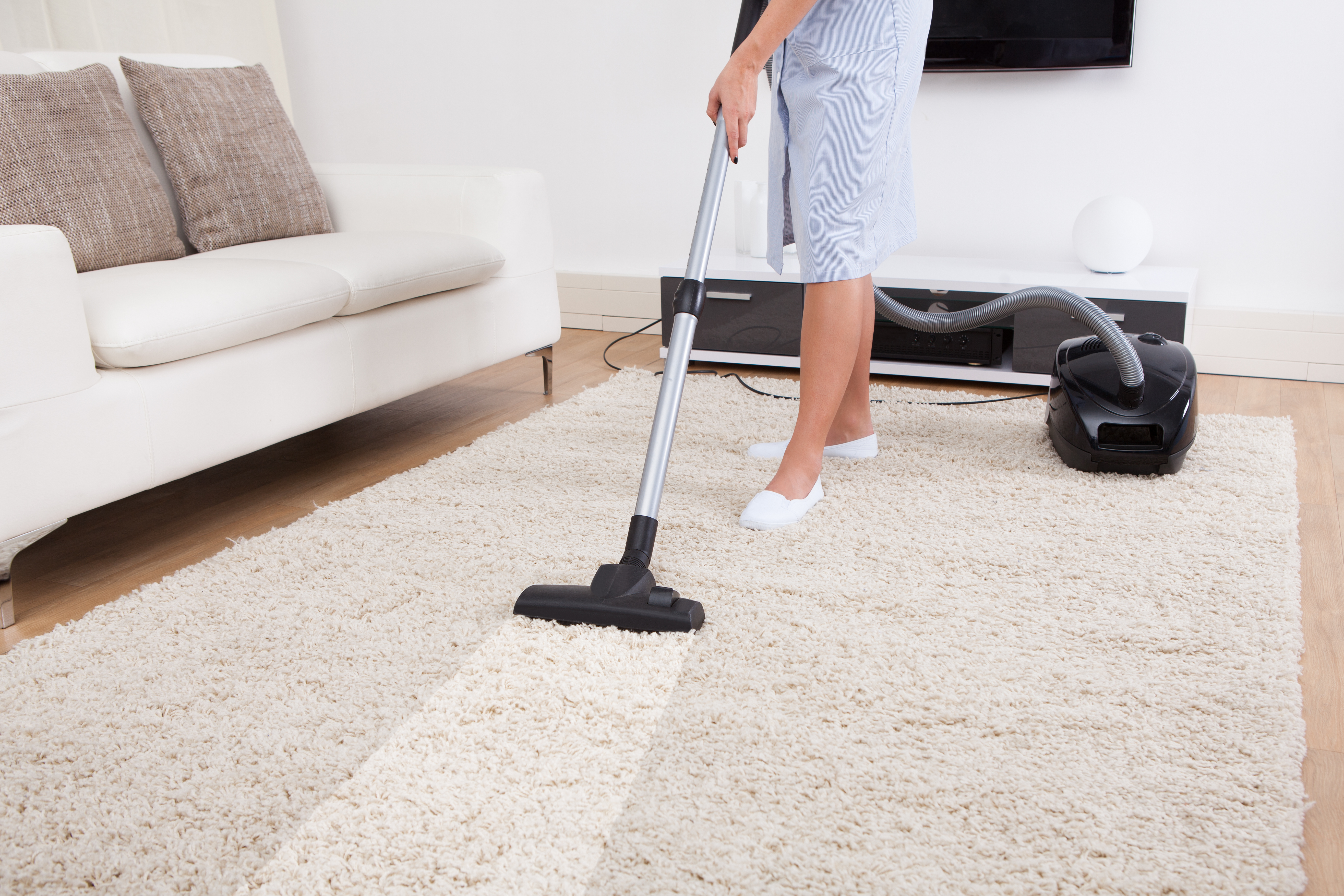 Hire professional cleaners for carpet cleaning woodland hills first cleaning by yourself is so much of a tedious and tiring job to do most often than not when you do rug cleaning on your own you purchase a dirtier solutioingenieria Images